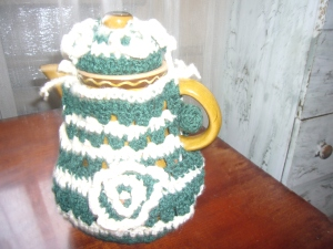 Crochet tea pot warmer