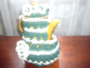 Tea pot warmer, crochet style
