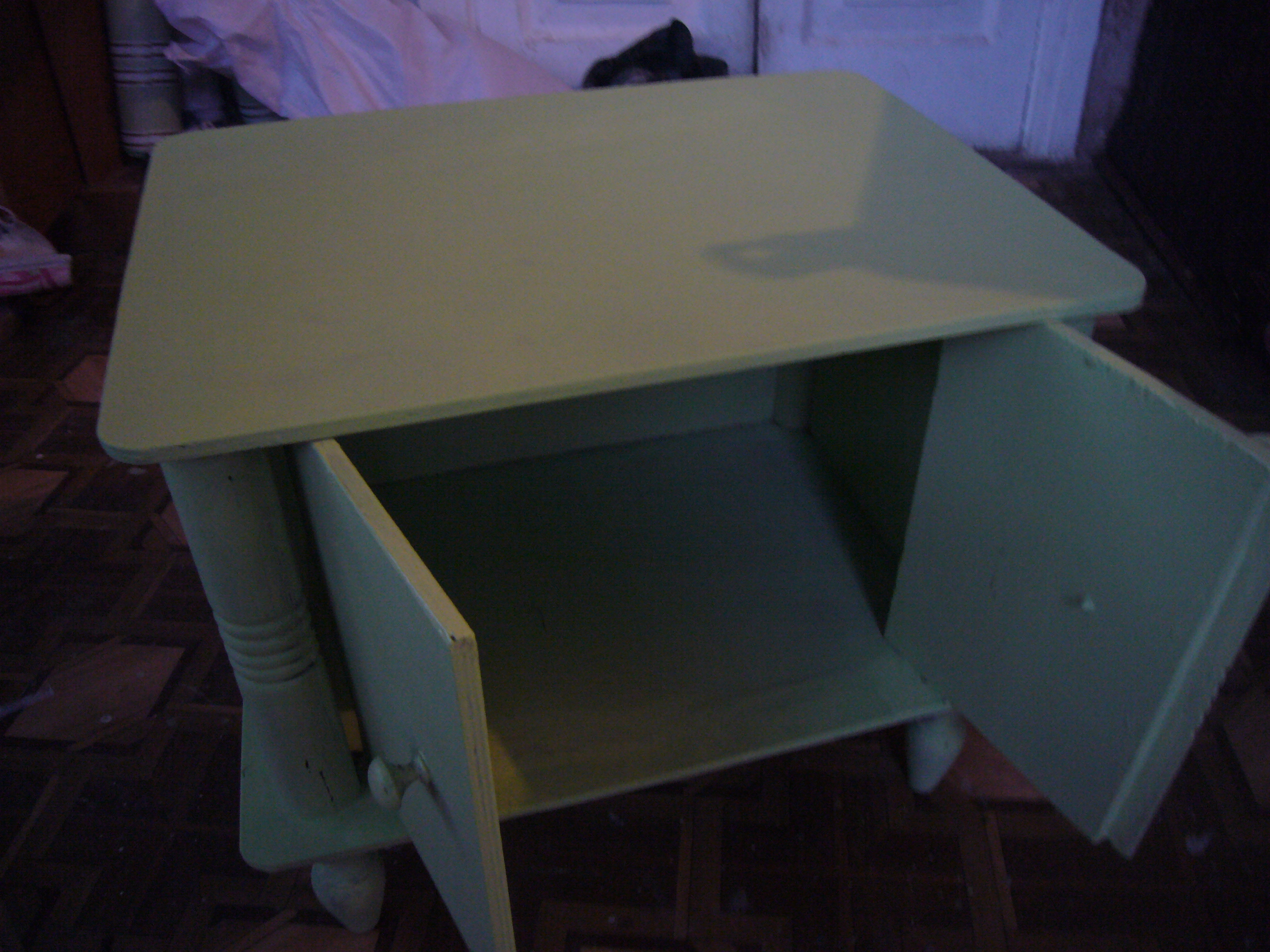 Furniture decoupage how to diy crafts decoupage ideas recycled crafts - Furniture restoration ideas ...