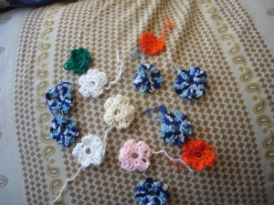Crocheting flowers