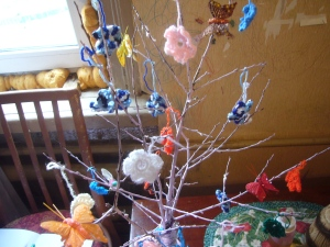 upcycling: decoupage and crocheting