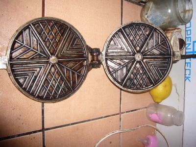 My old waffle pan to make potato waffles