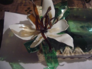 recycled crafts: water bottle flower