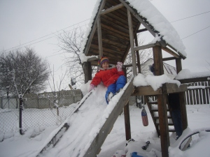 winter snowy fun with kids