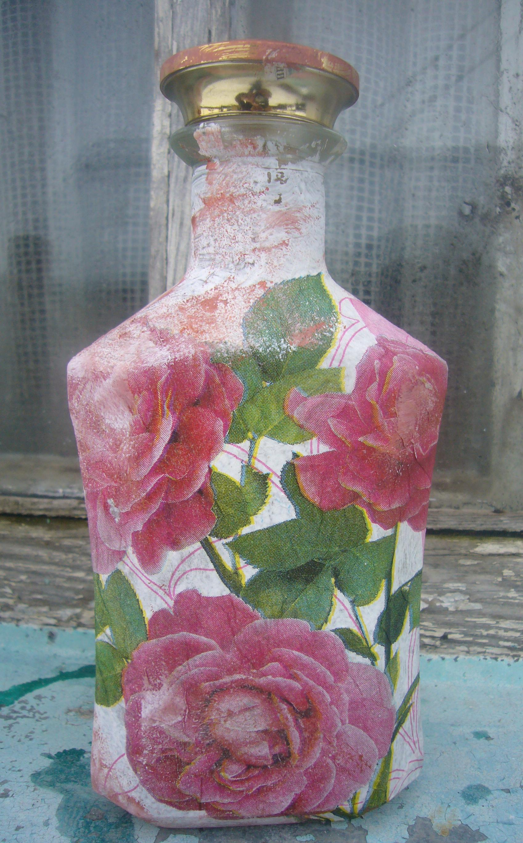 Decoupage ideas pink rosebud glass bottle diy crafts for Decoracion de jarrones