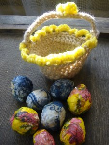 Easter egg basket DIY