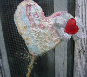 Decoupage ideas: foam heart
